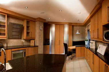 M&R Kitchens